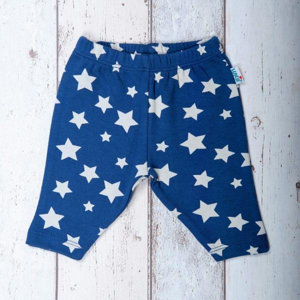 luflie broekje stars at the sky
